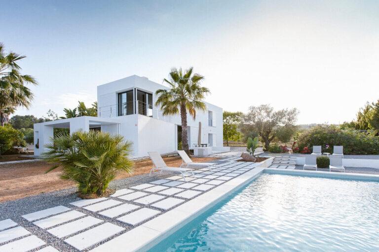 La importancia de contratar un fotógrafo de villas en Ibiza
