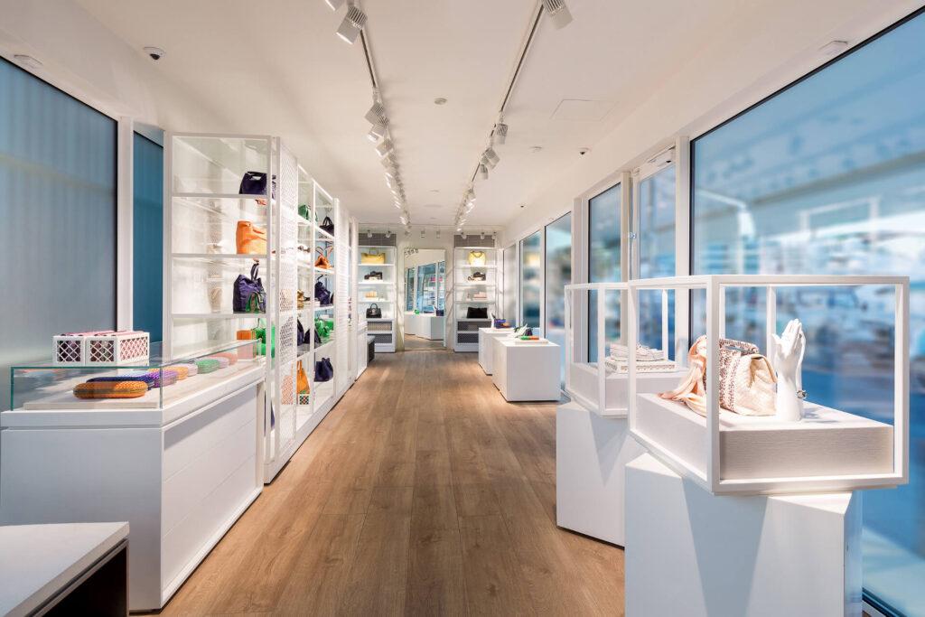 Shop La Marina 3